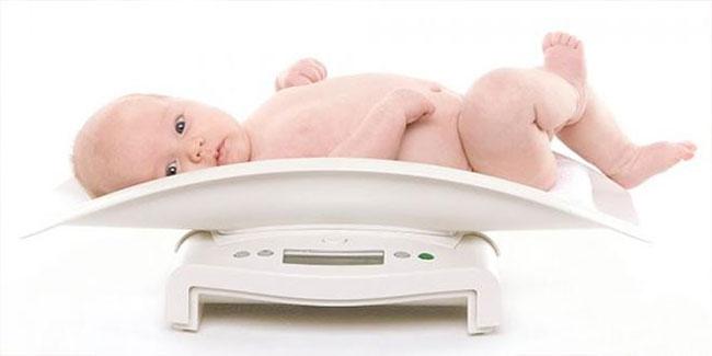Bảng cân nặng chuẩn của bé trai từ 0 tới 10 tuổi